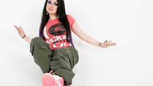 snow-tha-product-photo-shoot-620x349 (1)